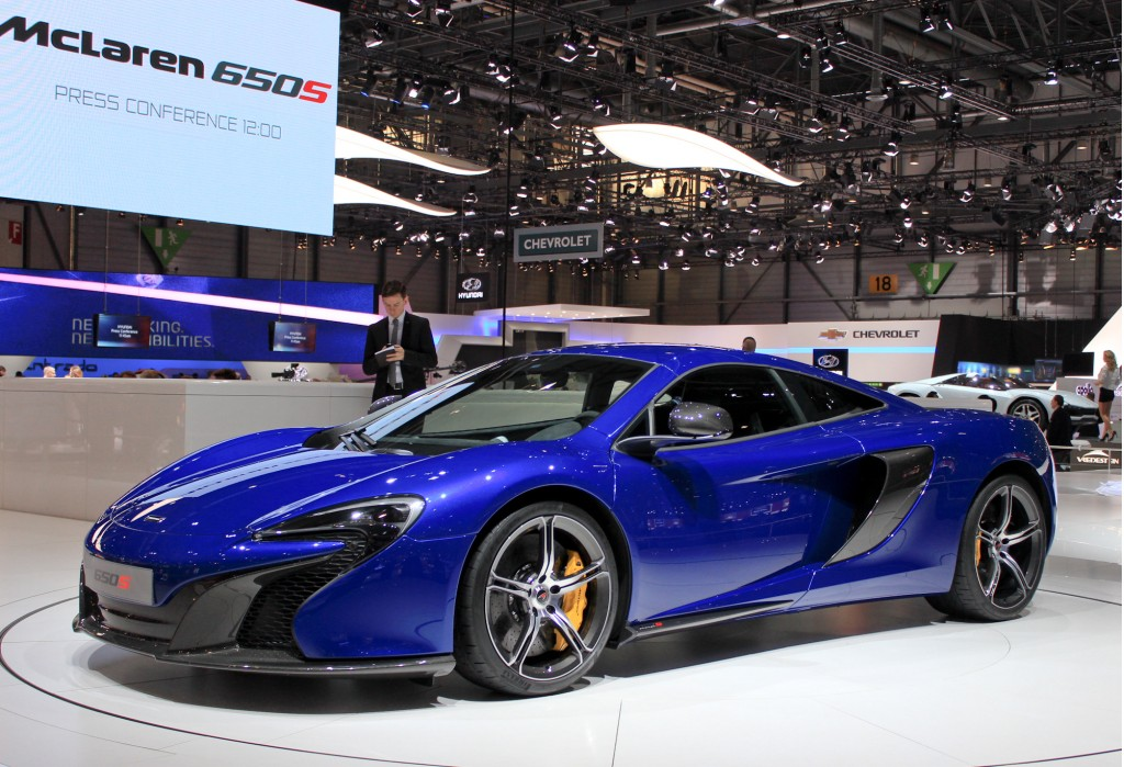 mclaren 650s supercar 2014 geneva motor show video and live photos. Black Bedroom Furniture Sets. Home Design Ideas