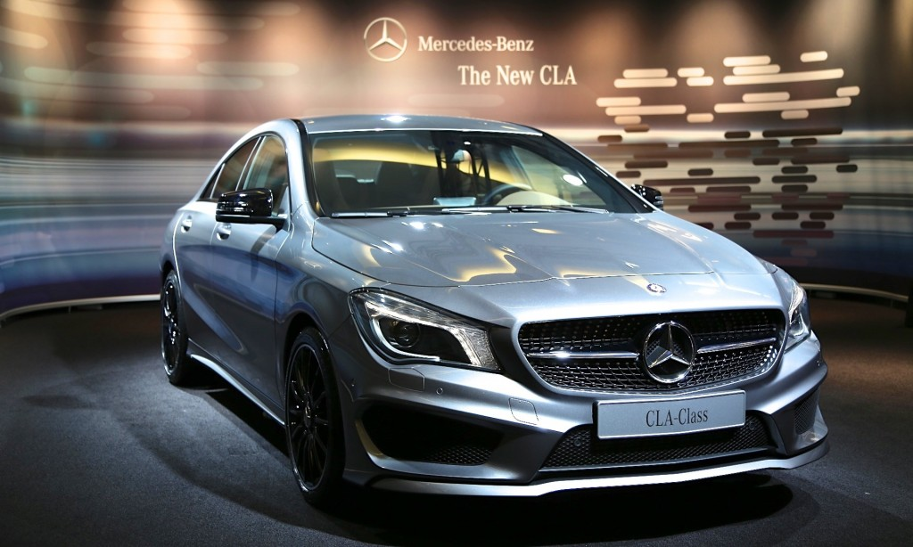 2014 mercedes benz cla live photos and video from detroit. Black Bedroom Furniture Sets. Home Design Ideas