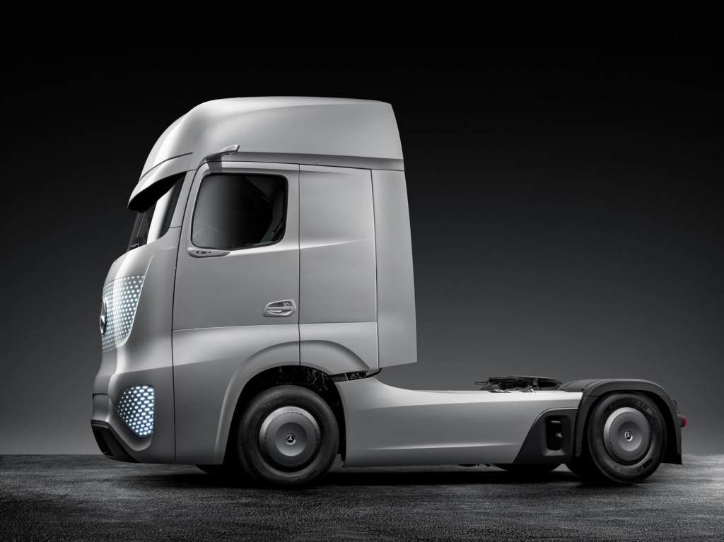 Mercedes benz future truck 2025 concept 2014 hannover for 2014 mercedes benz truck