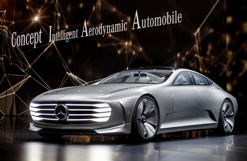 Image mercedes benz intelligent aerodynamic automobile for Mercedes benz frankfurt