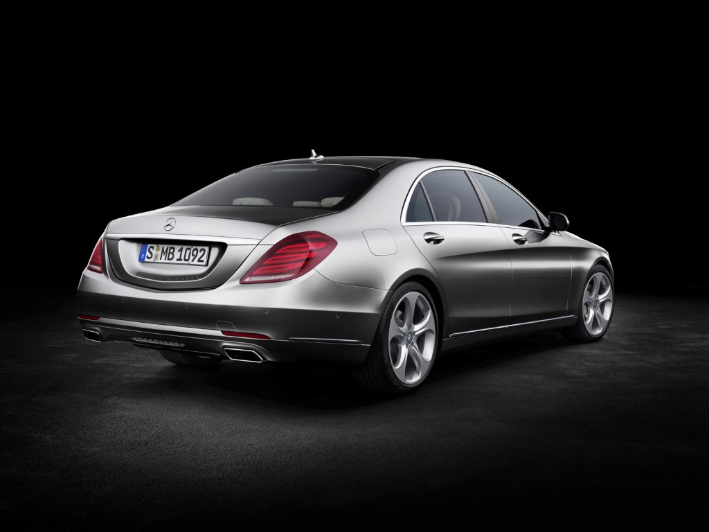 mercedes benz highlights 2014 s class features in new video. Black Bedroom Furniture Sets. Home Design Ideas