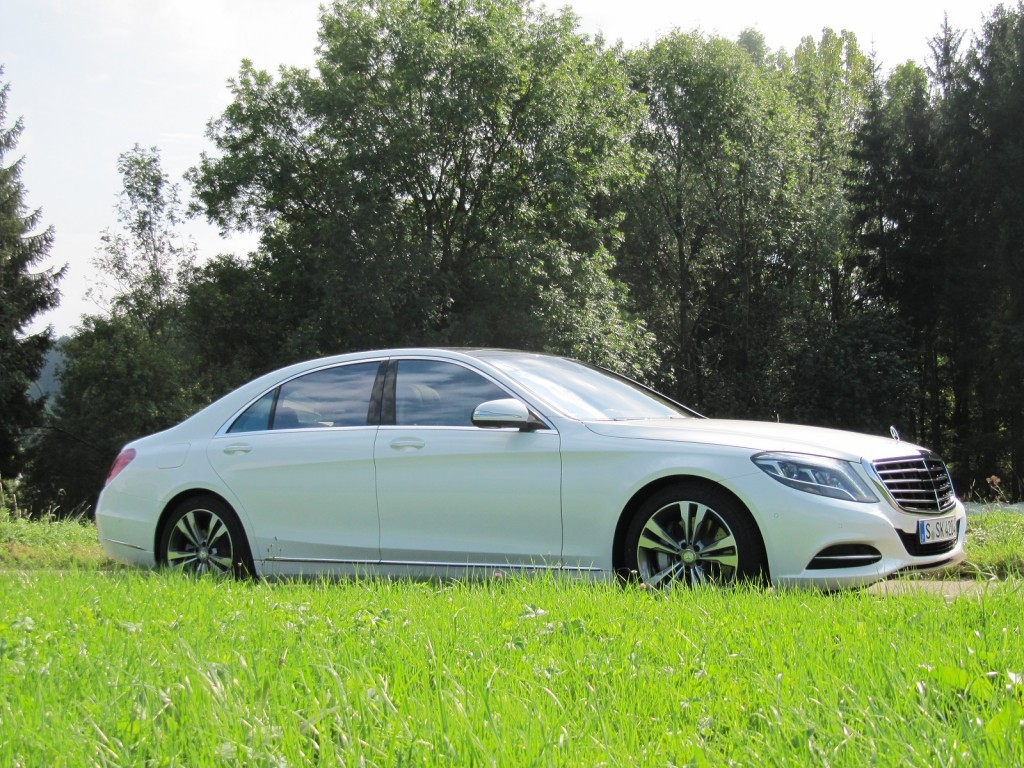 2016 mercedes benz s550 plug in hybrid first drive for Mercedes benz ss 550
