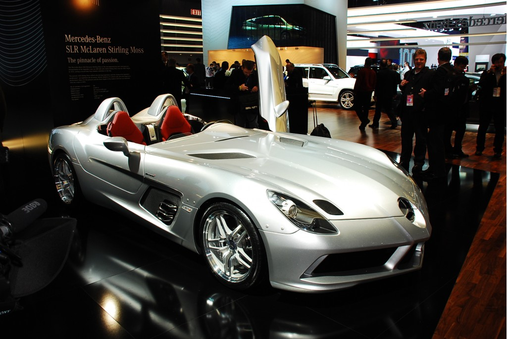 mercedes benz slr mclaren stirling moss revealed. Black Bedroom Furniture Sets. Home Design Ideas