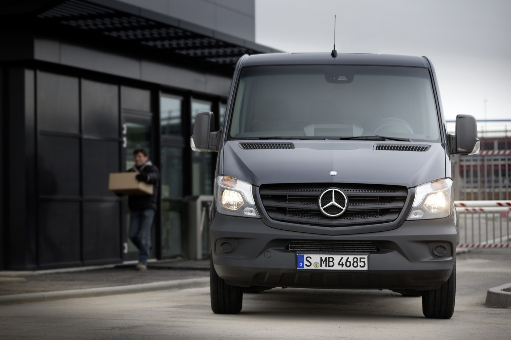 2014 mercedes benz sprinter preview more mpgs more safety for Mercedes benz sprinter passenger