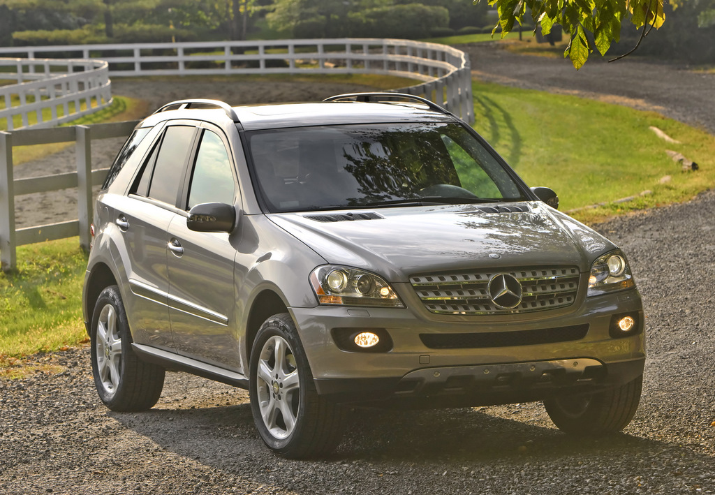2009 mercedes benz m class pictures photos gallery the for Mercedes benz ml350 2009
