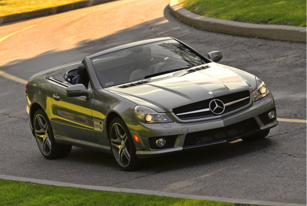 Study mercedes sl class drivers four times more likely to for Mercedes benz tickets