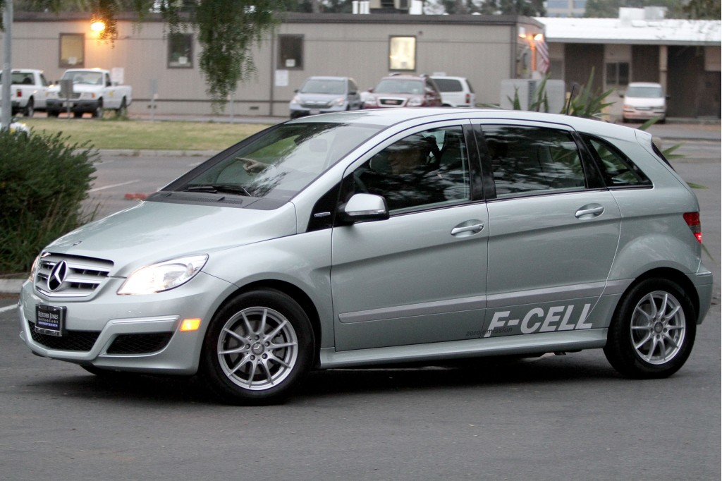 Mercedes benz has two hydrogen fuel cell cars in the pipeline for Mercedes benz fuel cell
