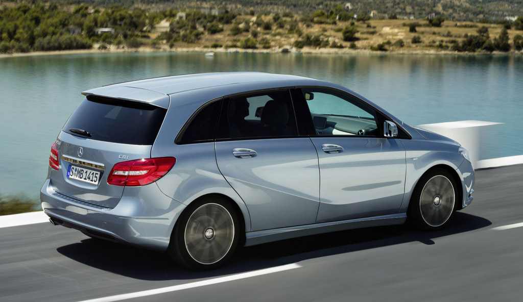 2012 mercedes benz b class compact hatchback due at frankfurt for Mercedes benz compact car