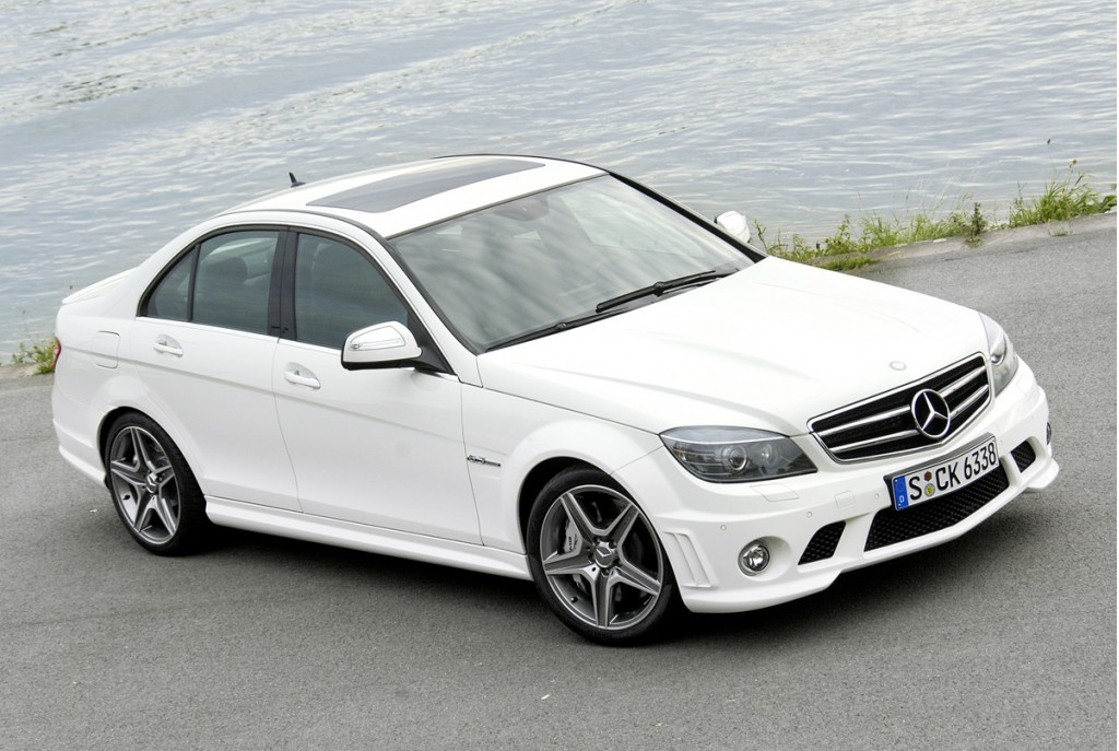 Mercedes benz c class amg white for Mercedes benz c class white