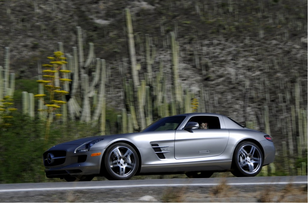 Mercedes benz sls amg envisioned as medical emergency vehicle for Mercedes benz emergency