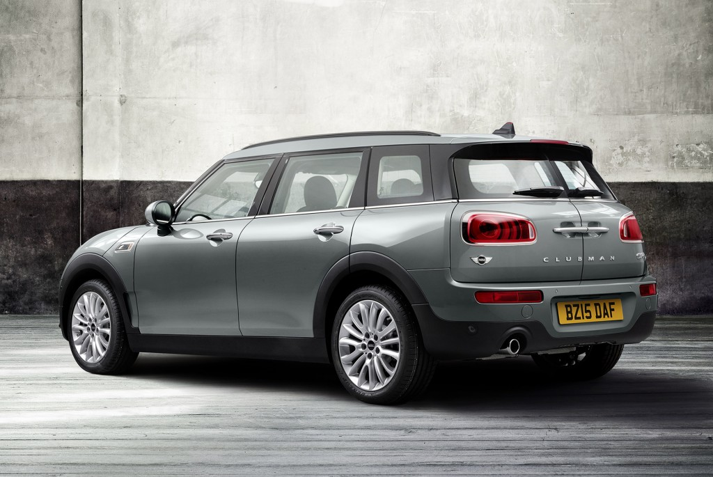 2016 mini cooper clubman grows up into more maxi wagon with six doors. Black Bedroom Furniture Sets. Home Design Ideas