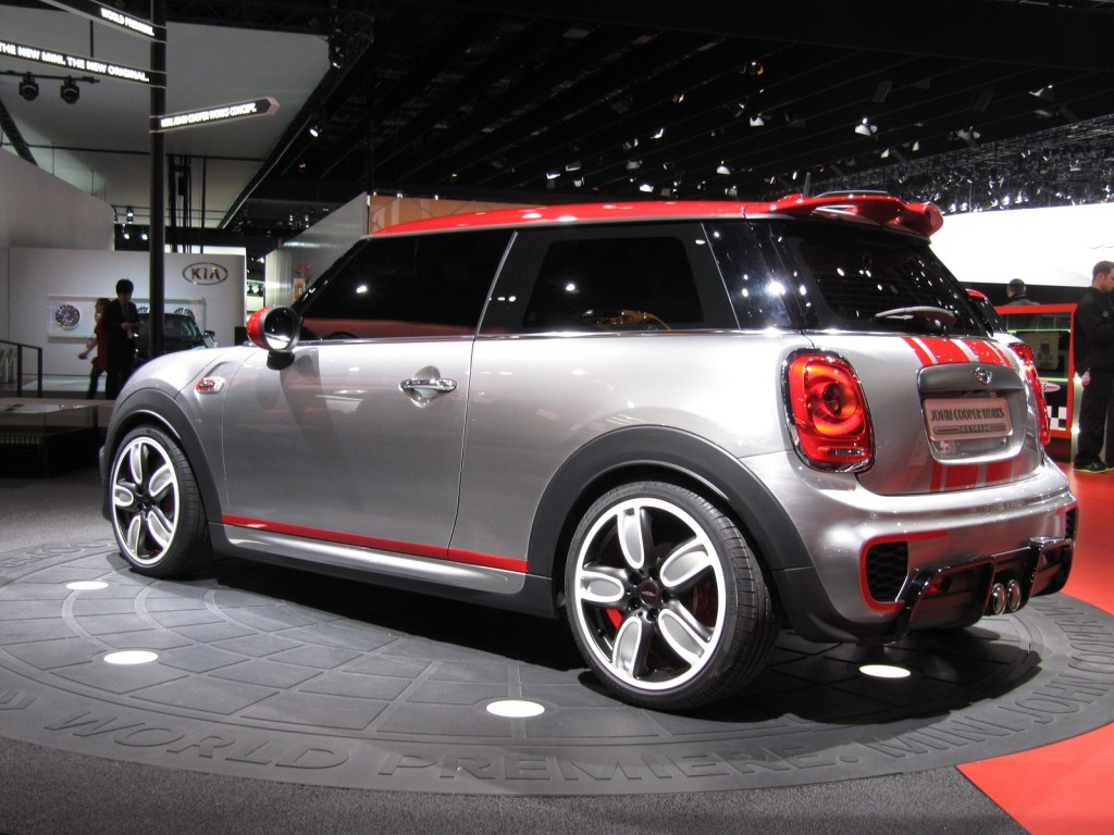 new mini john cooper works model previewed with detroit. Black Bedroom Furniture Sets. Home Design Ideas
