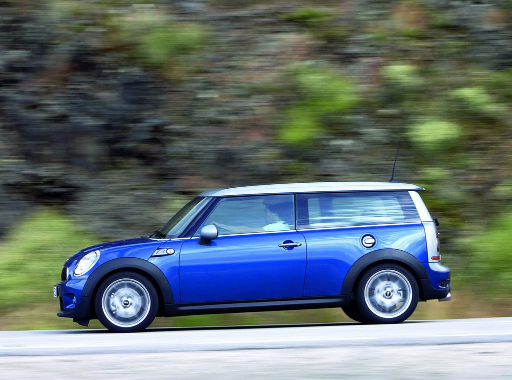 2009 mini cooper clubman pictures photos gallery motorauthority. Black Bedroom Furniture Sets. Home Design Ideas
