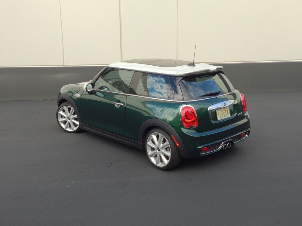 2015 mini cooper s quick drive. Black Bedroom Furniture Sets. Home Design Ideas