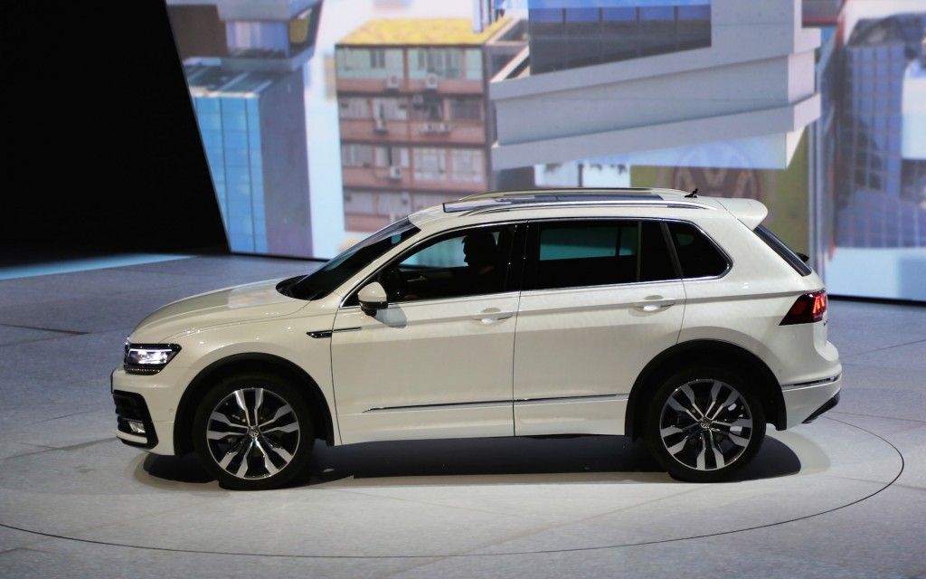 2017 vw tiguan suv aims for u s with third row higher mpg. Black Bedroom Furniture Sets. Home Design Ideas
