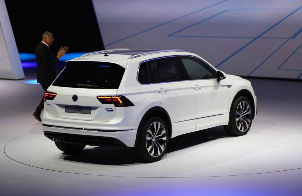 new volkswagen tiguan unveiled 2015 frankfurt auto show. Black Bedroom Furniture Sets. Home Design Ideas