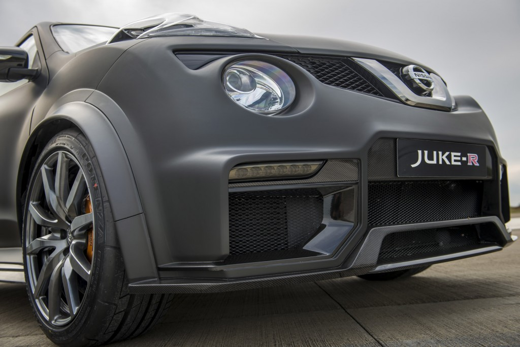 nissan reveals new more powerful version of gt r powered juke r crossover. Black Bedroom Furniture Sets. Home Design Ideas