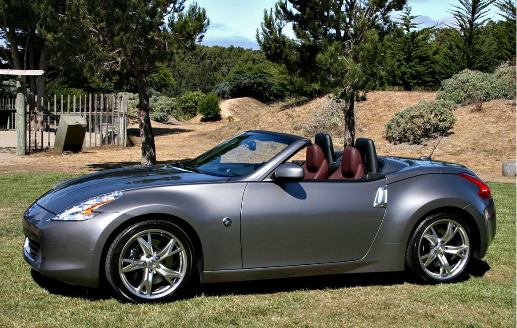 first drive 2010 nissan 370z roadster page 2. Black Bedroom Furniture Sets. Home Design Ideas