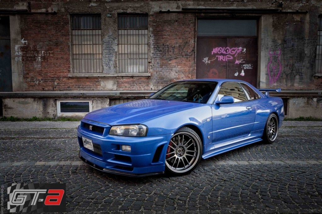 paul walker 39 s r34 nissan skyline gt r for sale at. Black Bedroom Furniture Sets. Home Design Ideas