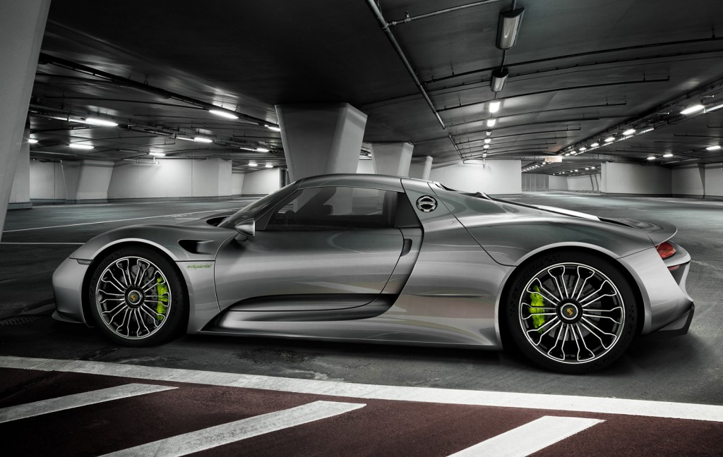 porsche 918 spyder debuts at 2013 frankfurt auto show. Black Bedroom Furniture Sets. Home Design Ideas
