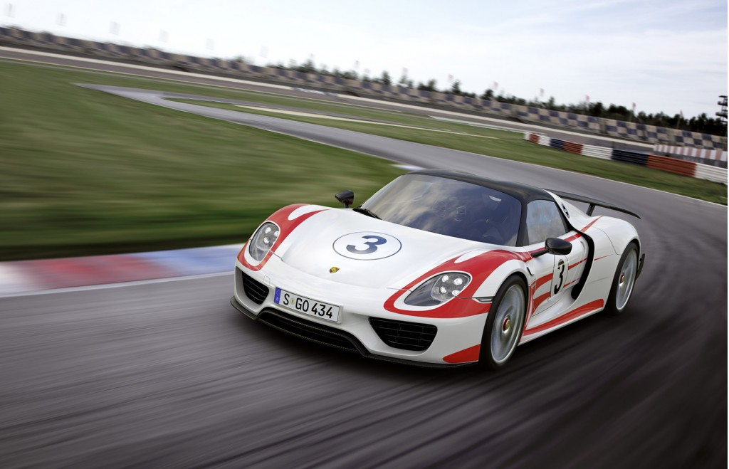 weissach package for the porsche 918 spyder explained in video. Black Bedroom Furniture Sets. Home Design Ideas