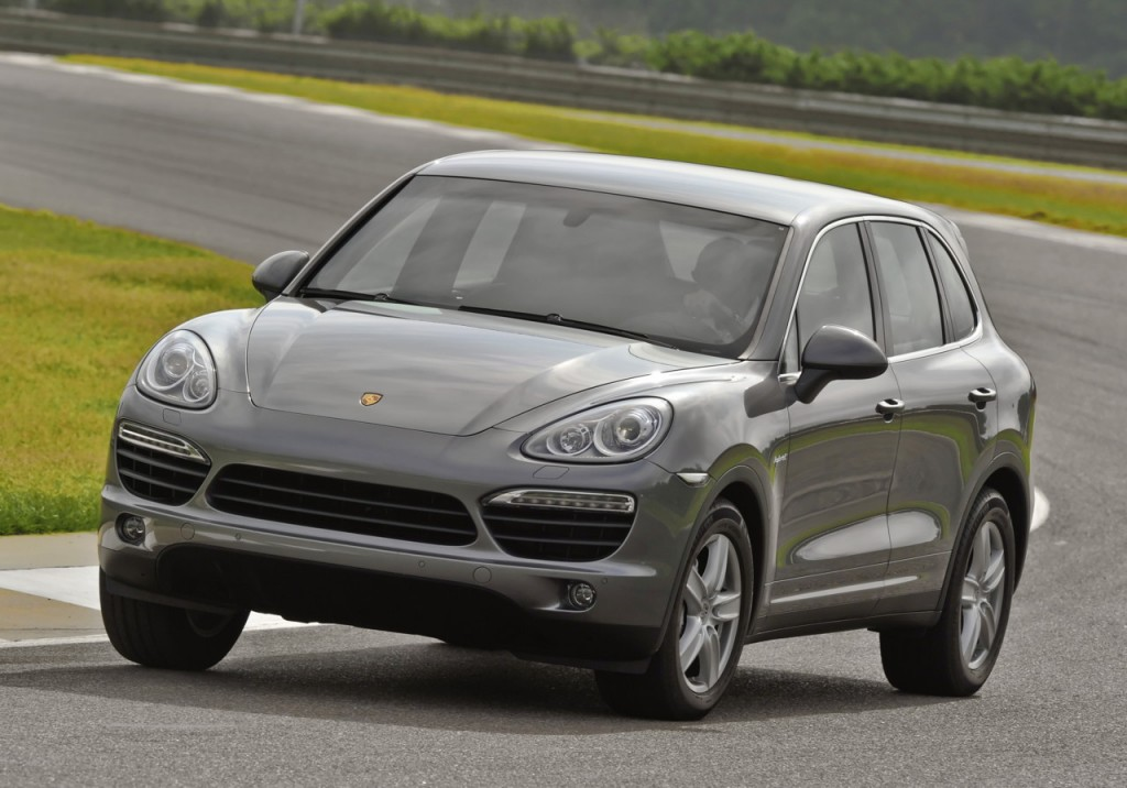 2011 porsche cayenne s hybrid priced from 67 700 on sale. Black Bedroom Furniture Sets. Home Design Ideas
