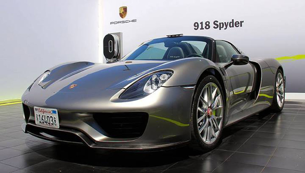 Porsche 918 Spyder Plug In Hybrid Sports Car Photo Gallery