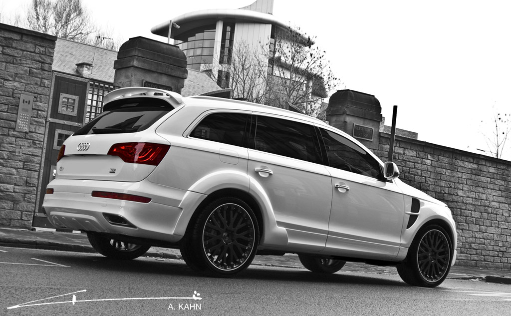 Black Rims: White Audi Q7 With Black Rims