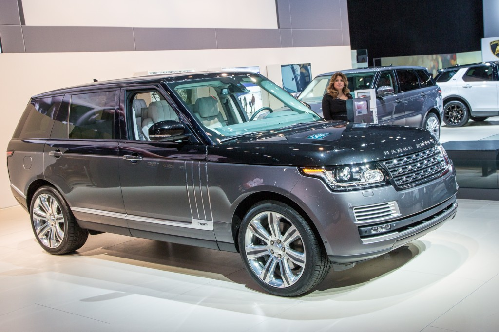 land rover launches new range rover svautobiography flagship live photos. Black Bedroom Furniture Sets. Home Design Ideas