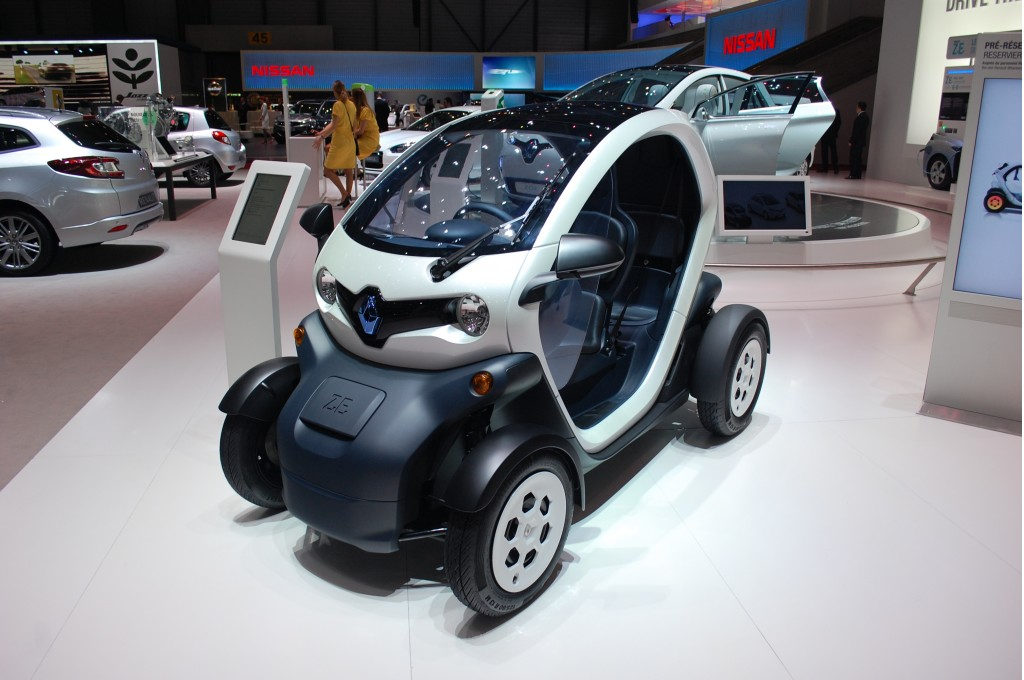 2012 renault twizy price announced but will it ever. Black Bedroom Furniture Sets. Home Design Ideas