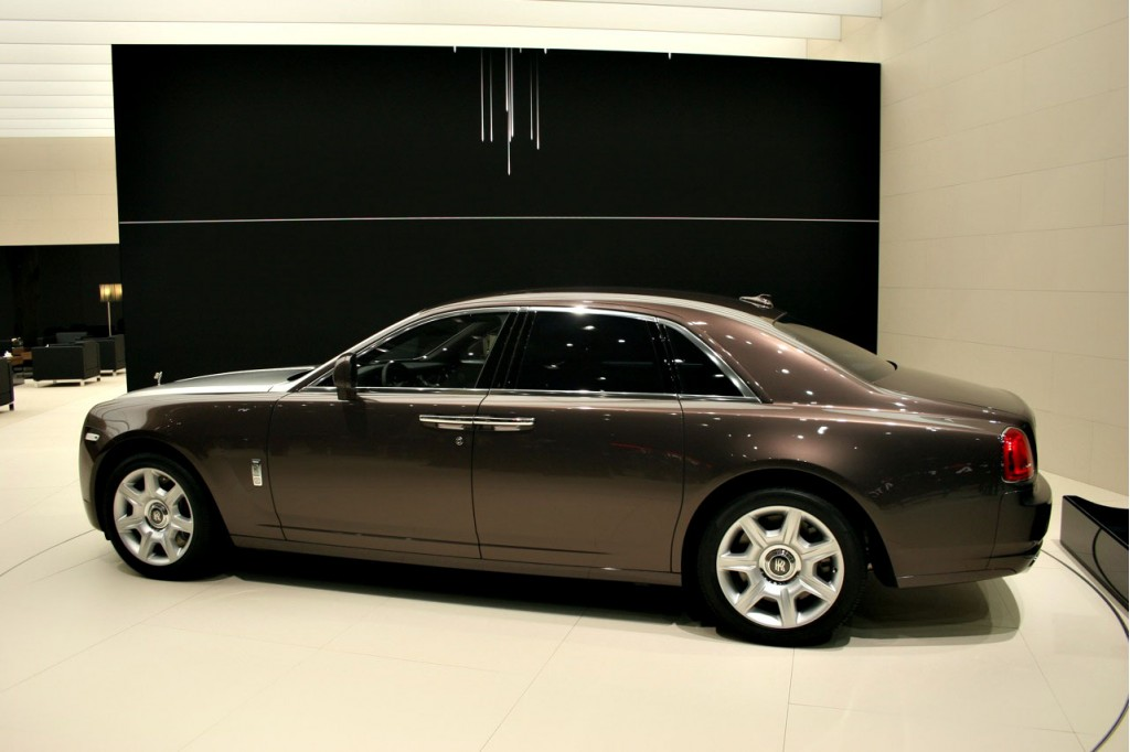 rolls royce ghost price 2010 cadillac. Black Bedroom Furniture Sets. Home Design Ideas