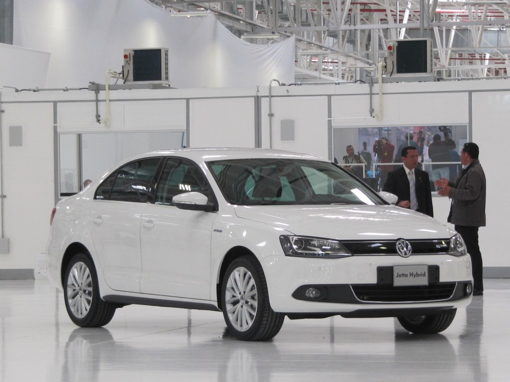 Efficient VW Engines for 2014 Passat, 2015 Jetta To Be Made In Mexico