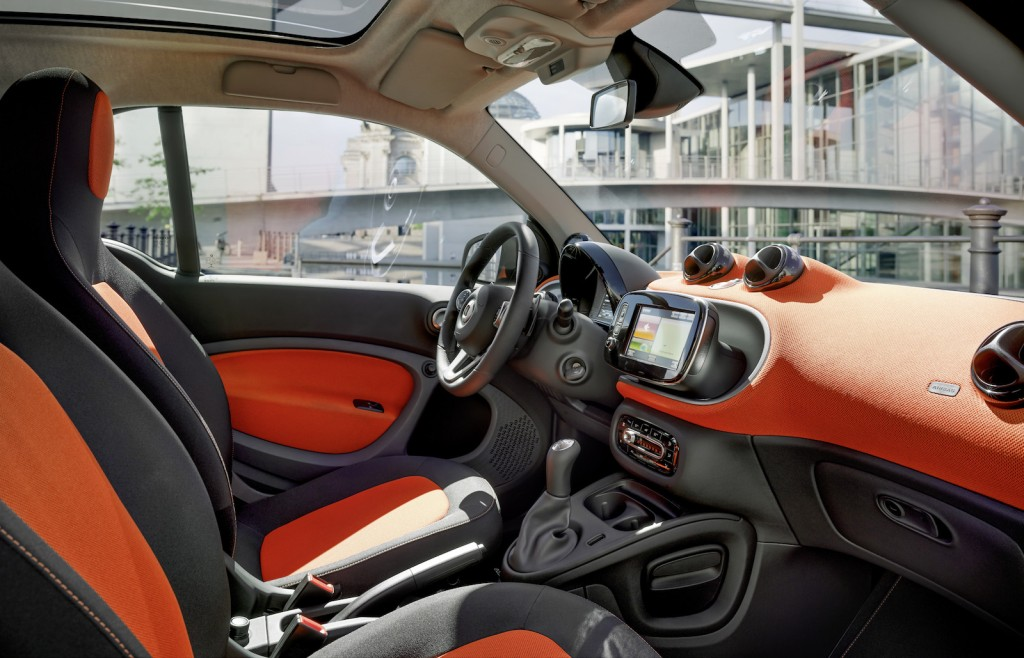 2016 smart fortwo what you should know about all new minicar. Black Bedroom Furniture Sets. Home Design Ideas