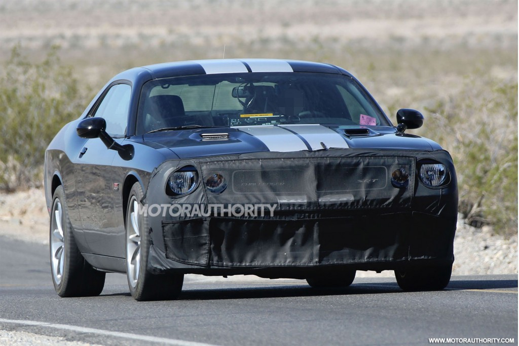 Spy shots of a 2015 Dodge Challenger SRT powered by the 'Hellcat