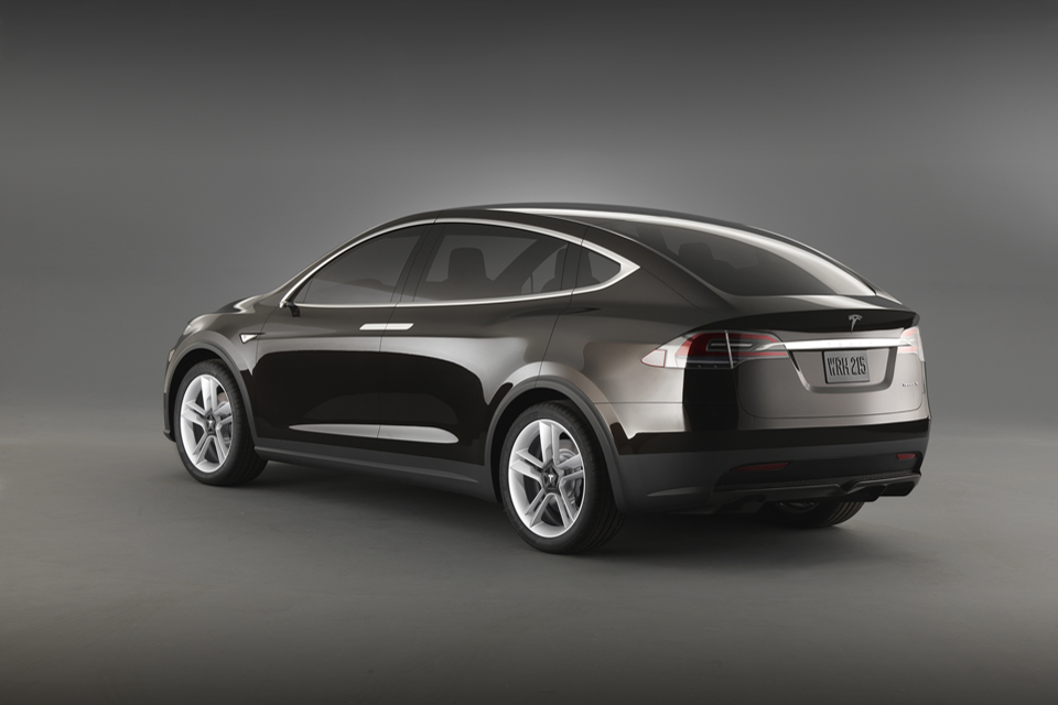 2015 Tesla Model X Electric Crossover Will Be All Wheel