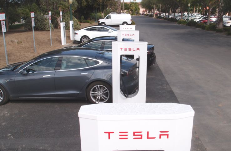 Image Tesla Supercharger Stations At Harris Ranch