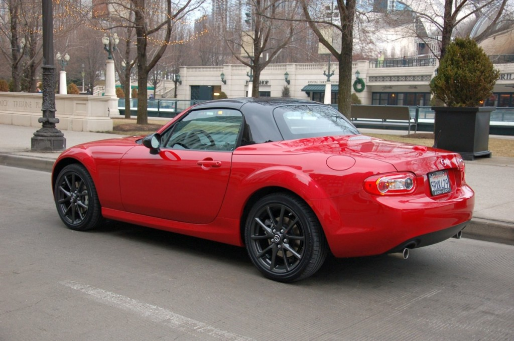 mazda debuts 2012 mx 5 special edition at chicago auto show. Black Bedroom Furniture Sets. Home Design Ideas