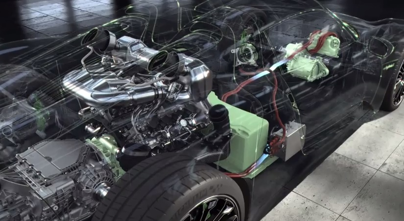 Incredible Porsche 918 Spyder Powertrain Detail Video