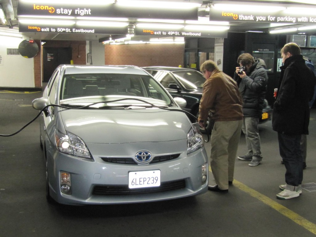 Hertz To Launch Electric-Car Rentals In NYC, Add Smart To