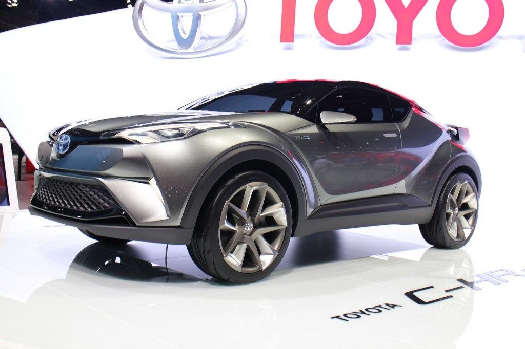 toyota shows second concept for subcompact crossover at frankfurt hybrid model expected. Black Bedroom Furniture Sets. Home Design Ideas