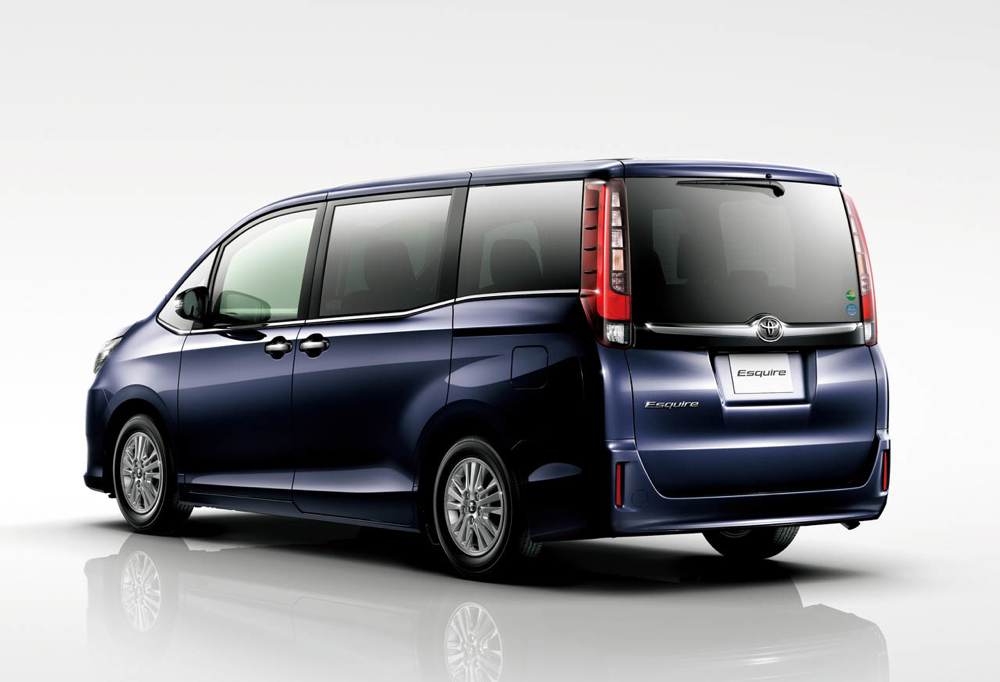 forbidden fruit toyota esquire hybrid luxury minivan. Black Bedroom Furniture Sets. Home Design Ideas