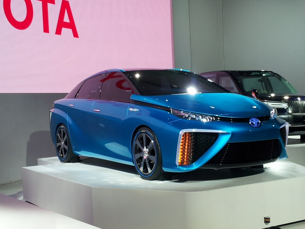 ... FCV Concept Previews Fuel Cell Car Coming In 2015: Tokyo Motor Show