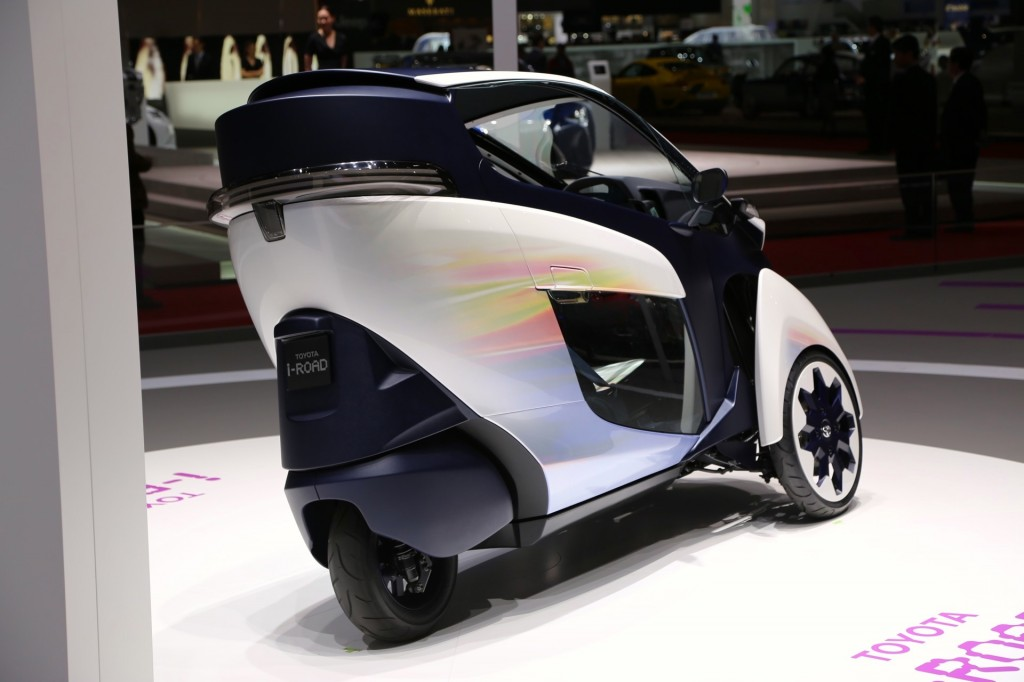 toyota i road electric microcar live photos from geneva. Black Bedroom Furniture Sets. Home Design Ideas