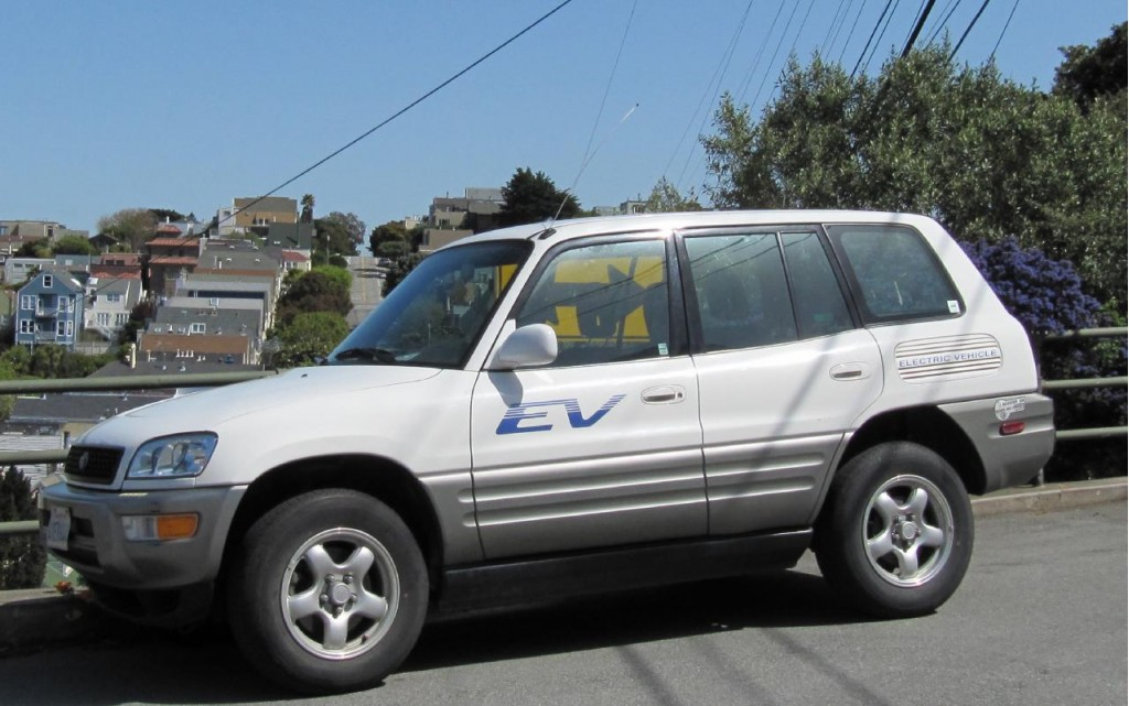 Used Subaru San Francisco >> 2002 Toyota RAV4 Pictures/Photos Gallery - The Car Connection