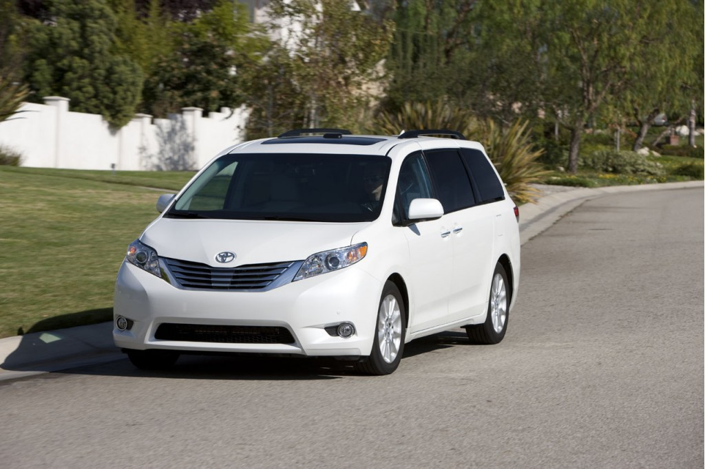 2011 Toyota Sienna Xle A Step Up