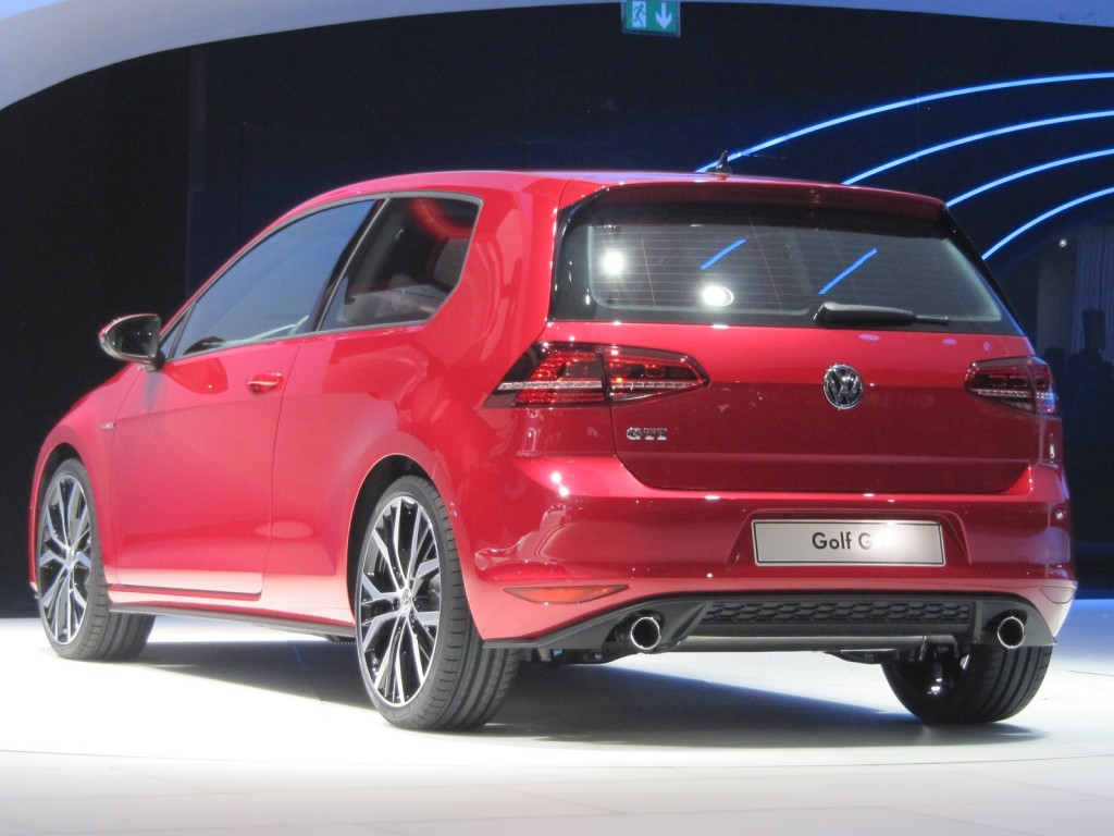 2014 vw gti live photos 2012 paris auto autos. Black Bedroom Furniture Sets. Home Design Ideas