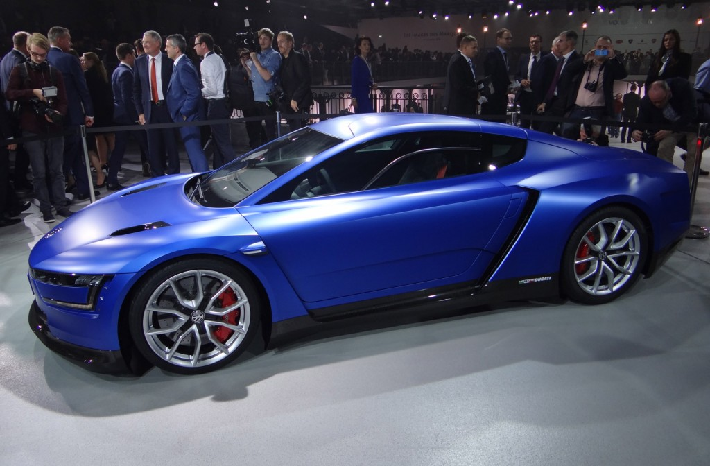 Volkswagen xl sport with ducati v twin engine paris motor for Concept expo