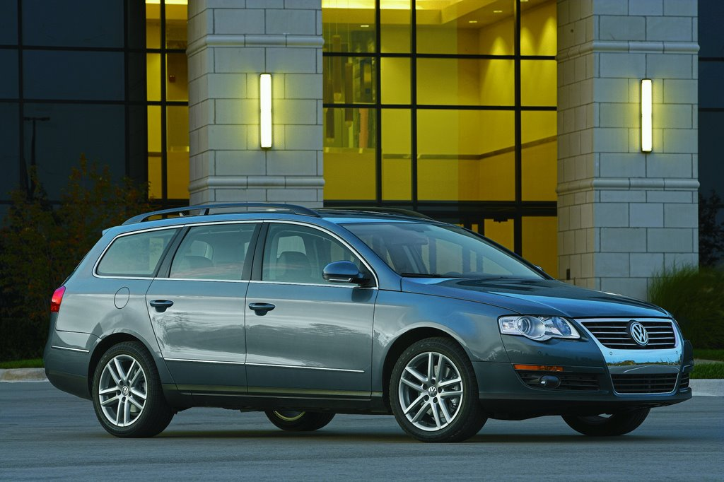 2009 volkswagen passat wagon vw pictures photos gallery green car reports. Black Bedroom Furniture Sets. Home Design Ideas