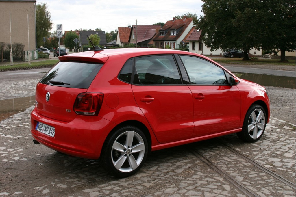 2011 volkswagen polo vw pictures photos gallery green. Black Bedroom Furniture Sets. Home Design Ideas