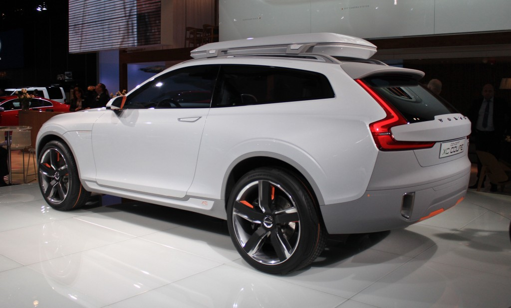 volvo xc90 plug in hybrid could enter production by 2015. Black Bedroom Furniture Sets. Home Design Ideas